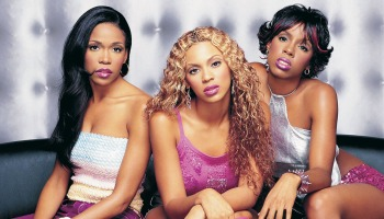 Na foto estão Kelly Rowland, Beyoncé Knowles e Michelle Williams, integrantes do conjunto Destiny's Child.